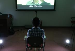 本研究では,視聴者の表情変化を基に,映像コンテンツを評価する際の新たな指標の開発を目的とする