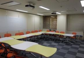 情報コミュニケーション学科共同研究室2